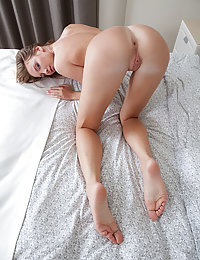 Tempe flaunts her big knockers and sweet pussy on the bed.met art ginger