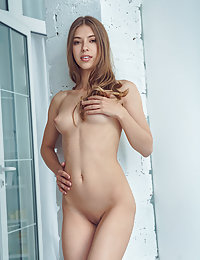 Top model Avery strips her white, sexy lingerie baring her slender body.luna met art